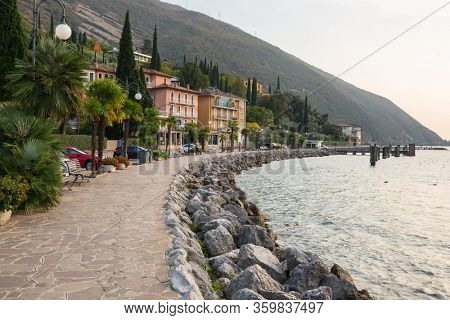 Beautful coastline of Garda lake, northern Italy