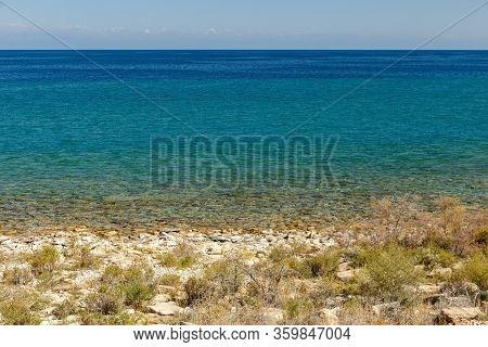 Lake Issyk-kul, Kyrgyzstan, The Largest Lake In Kyrgyzstan