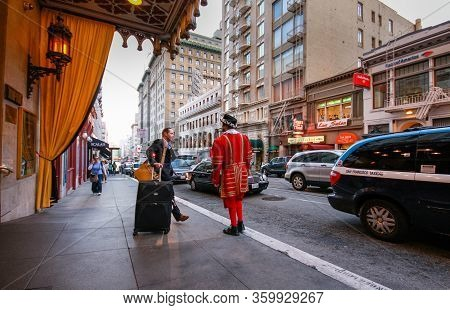 San Francisco, Usa - Oct 2, 2012: A Departing Guest Of Kimpton Sir Francis Drake Hotel Asks A Doorma