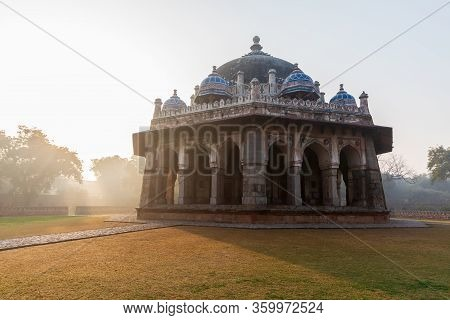 Indias Sight, Isa Khans Tomb In Hymayuns Tomb Complex In New Delhi