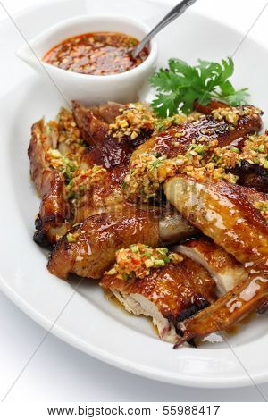 boiling oil scalded young chicken, crispy fried chicken, chinese cuisine