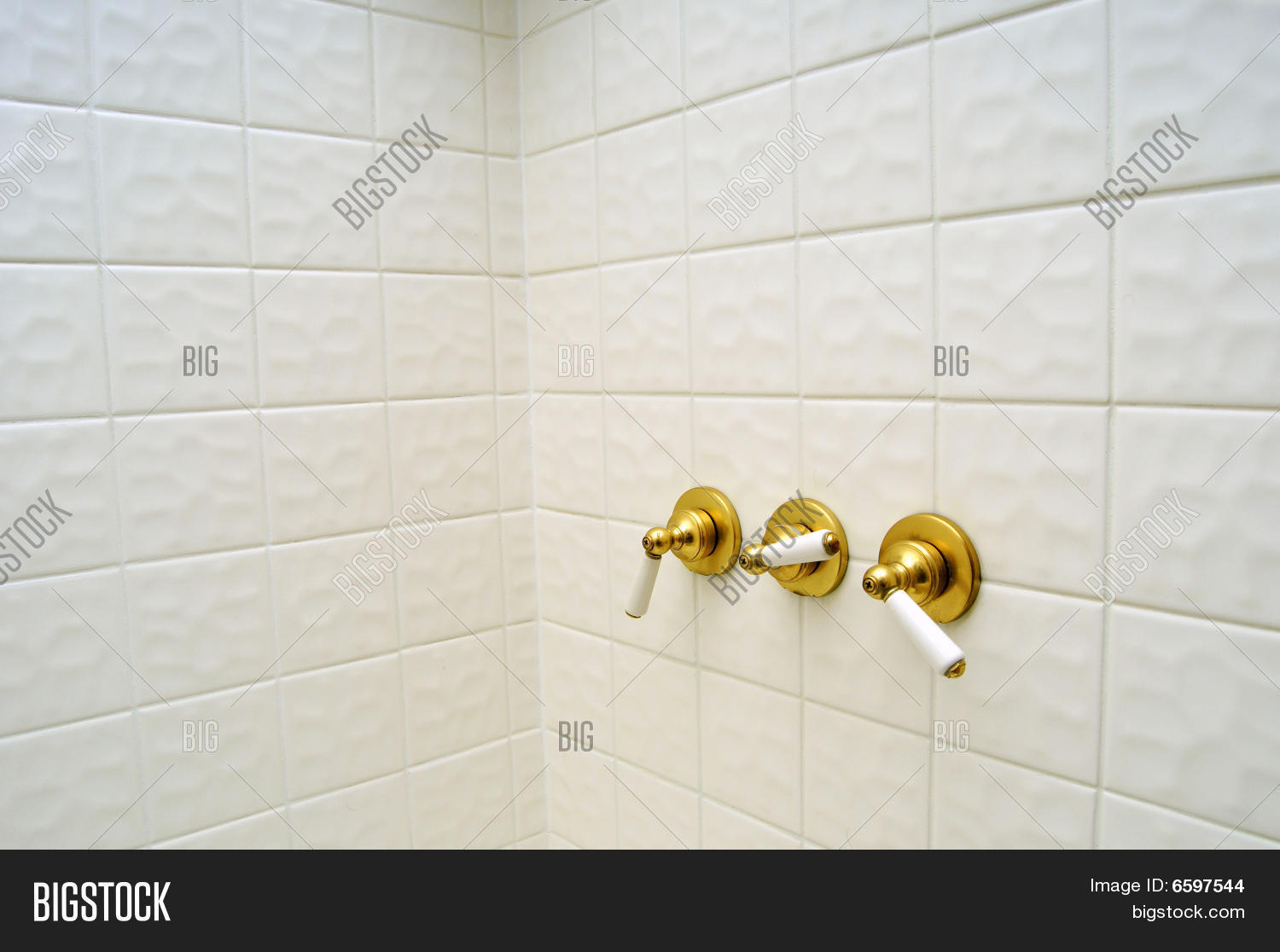 Free golden shower out side speaking, try look