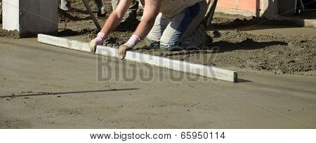 smooth concreting the floor