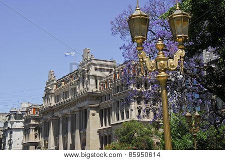 Tribunales Court House