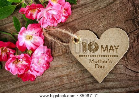 May 10Th Mothers Day Heart Shaped Card With Roses