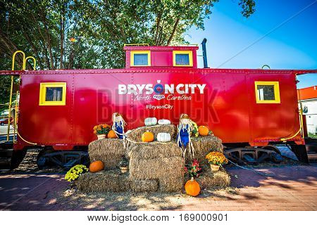 Bryson city NC October 23 2016 - Great Smoky Mountains Train ride city scenes