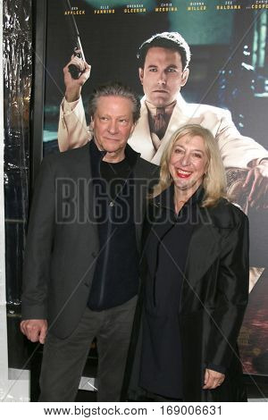 LOS ANGELES - JAN 9:  Chris Cooper, guest at the
