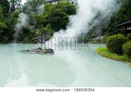 White pond hell in Beppu