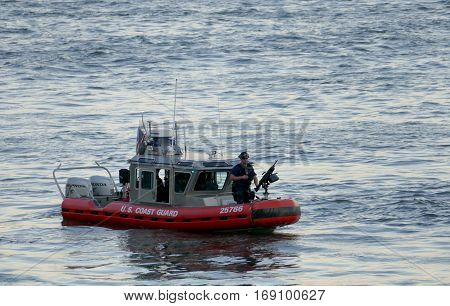 New York, United States. September 22Nd 2016 - Us Coast Guard On East River