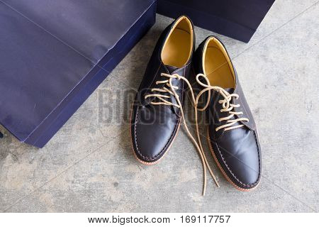 Classic male brown leather shoes Men`s fashion