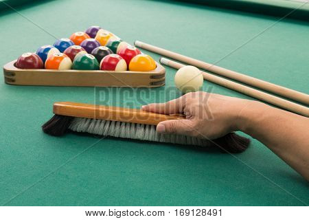 Hand Brushing Snooker Pool Billards Table With Balls And Cue