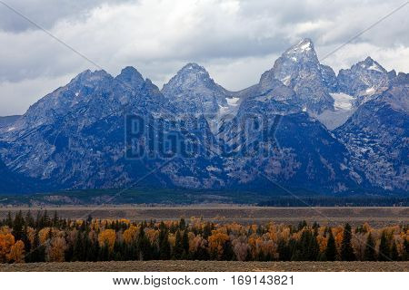 view of grand tetons range in national park usa