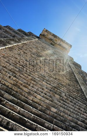 Chichen Itza pyramid in dazzling bright sunlight