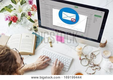 E-mail Popup Warning Window Concept