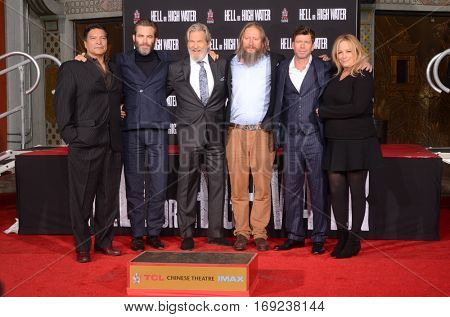 LOS ANGELES - JAN 6:  Gil Birmingham, Chris Pine, Jeff Bridges, David Mackenzie, Taylor Sheridan at the Jeff Bridges Print Ceremony at TCL Chinese Theater IMAX on January 6, 2017 in Los Angeles, CA