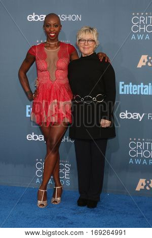 LOS ANGELES - DEC 11:  Oge Egbuonu, Sarah Green at the 22nd Annual Critics' Choice Awards at Barker Hanger on December 11, 2016 in Santa Monica, CA