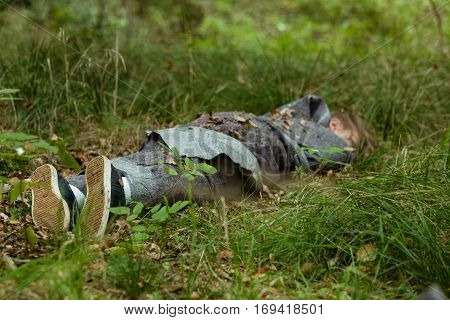 Dead Teenager Body In Grass