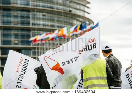 Tobacconists Buralistes People Protesting European Parliament France