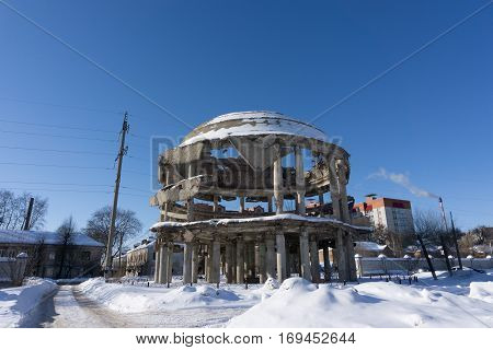 Rotonda - the building of the Voronezh Regional Clinical Hospital of the 1930s, which was destroyed during the Battle of Voronezh and restored as a memory of the Great Patriotic War.