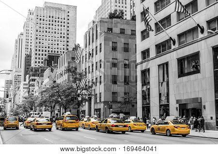 New York City Taxi Streets USA Skyline the Big Apple american flag black white yellow
