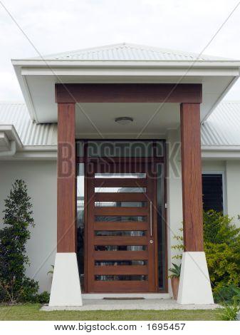 Redwood Entrance Details