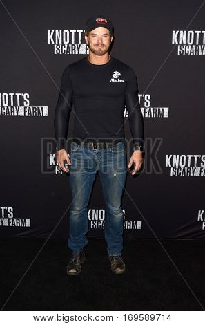 LOS ANGELES - SEP 30:  Kellan Lutz at the 2016 Knott's Scary Farm at Knott's Berry Farm on September 30, 2016 in Buena Park, CA