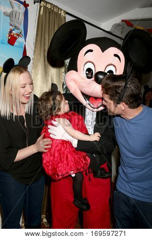 LOS ANGELES - DEC 4:  Adrienne Frantz Bailey, Amelie Bailey, Scott Bailey, Mickey Mouse character at the Amelie Bailey's 1st Birthday Party at Private Residence on December 4, 2016 in Studio CIty, CA