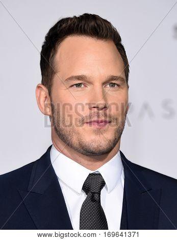LOS ANGELES - DEC 14:  Chris Pratt arrives to the