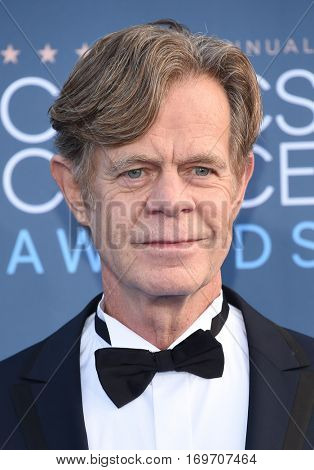 LOS ANGELES - DEC 11:  William H. Macy arrives to the Critics' Choice Awards 2016 on December 11, 2016 in Hollywood, CA