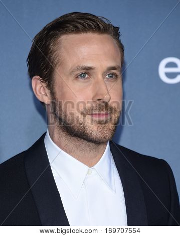LOS ANGELES - DEC 11:  Ryan Gosling arrives to the Critics' Choice Awards 2016 on December 11, 2016 in Hollywood, CA