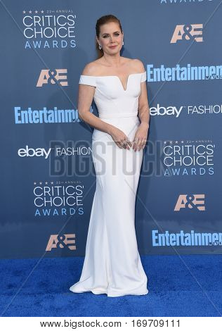 LOS ANGELES - DEC 11:  Amy Adams arrives to the Critics' Choice Awards 2016 on December 11, 2016 in Hollywood, CA