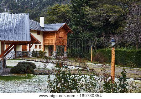 Rustic Residence In Villa La Angostura