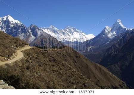 Mount Everest, Lothse And Ama Dablam - Himalaya