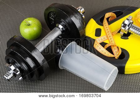 Adjustable Dumbbells, Weight, Plastic Shaker, Apple And Measures Tape