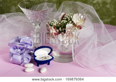 Wedding Rings And Wedding Favors