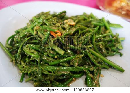 Stir Fried Vegetable Fern Spikes