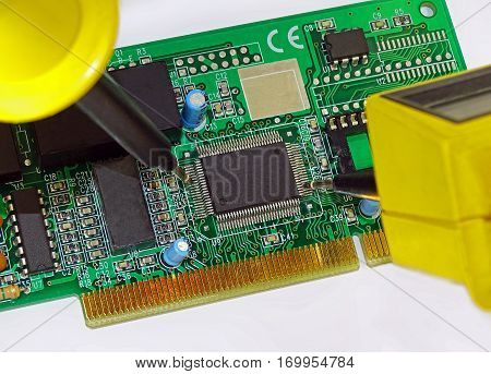 Measurement on a electronic printed circuit board