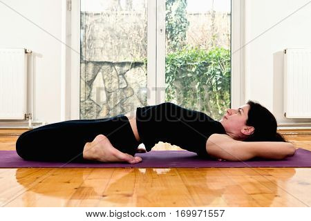 Hot Yoga - Fixed firm pose, toned image