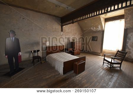 Mansfield, Oh, May 29, 2018, Ohio State Reformatory, Former Prison, Brooks Halten Bedroom, Filming L