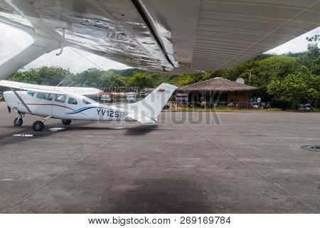 Canaima, Venezuela - August 18, 2015:  Cessna Aiplanes At The Airstrip In Canaima Village, Venezuela
