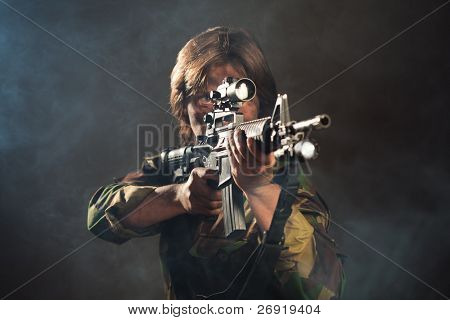 soldier aiming a weapon