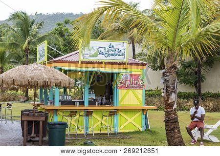 St Thomas, Usvi - May 17, 2015: Tourism Is A Major Industry In St Thomas. Recovery From The Recent H