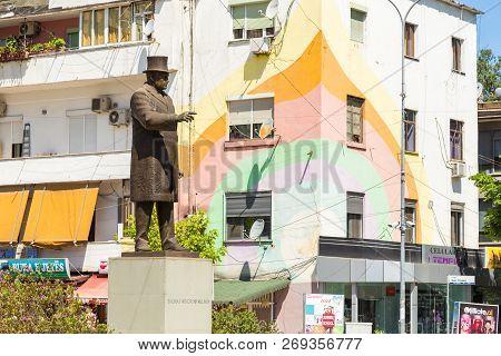 Tirana, Albania- 01 July 2014: Monument To President Thomas Woodrow Wilson In The Center Of Tirana.