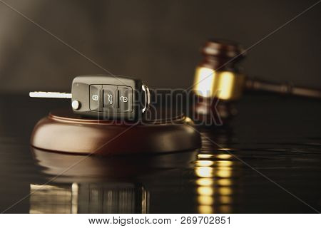 Symbol Of Online Auction, Insurance And Car Sales, Online Shopping And Auction, Select Car In Online