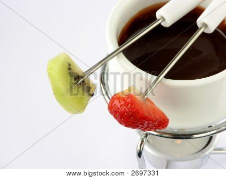 Chocolate Fondue With Fruit