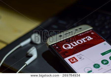 Bekasi, West Java, Indonesia. November 20, 2018 : Quora Dev App On Smartphone Screen. Quora Is A Fre