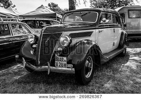 Paaren Im Glien, Germany - May 19, 2018: Retro Car Ford V8 Cabrio, 1935. Manufactured At Ford Deutsc