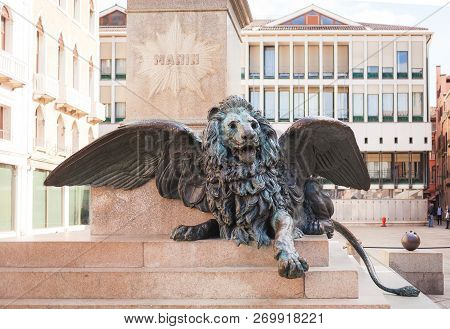 Venice, Italy - October, 08 2017:  Figure Of A Proud Lion At The Foot Of The Monument To Daniele Man