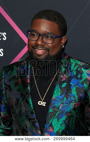 LOS ANGELES - NOV 11:  Lil Rel Howery at the People's Choice Awards 2018 at the Barker Hanger on November 11, 2018 in Santa Monica, CA