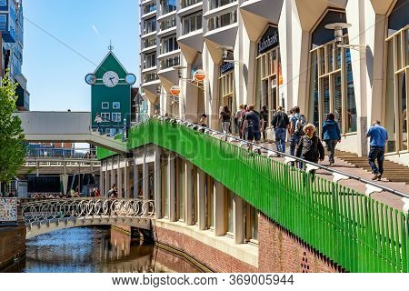 Zaandam, The Netherlands - May, 2018: The Shopping Street In The Center Of Zaandam With Famous Innte